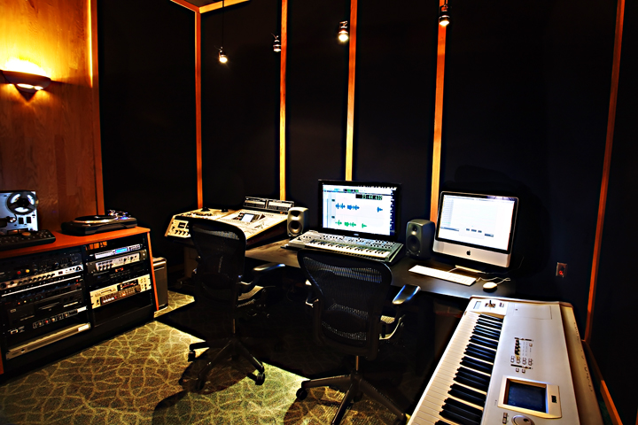 Studio Time Any Day 24 7 By Apointment Only Call For More Info And To Schedule A Tour 913 894 6854